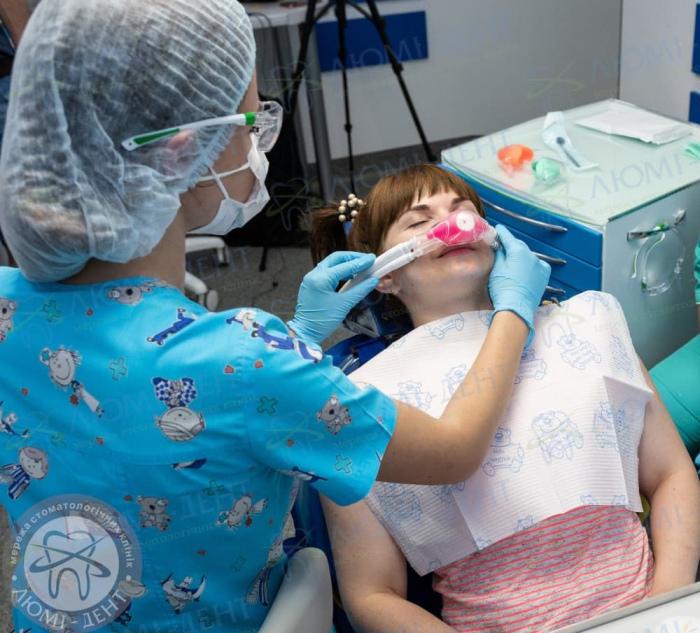 первый поход к стоматологу фото ЛюмиДент