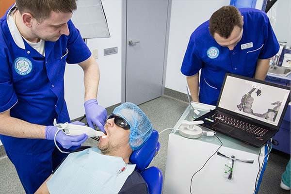 Консультация имплантолога по имплантации зубов Киев ЛюмиДент