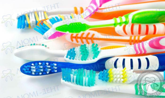 зубні щітки фото Люмі-Дент