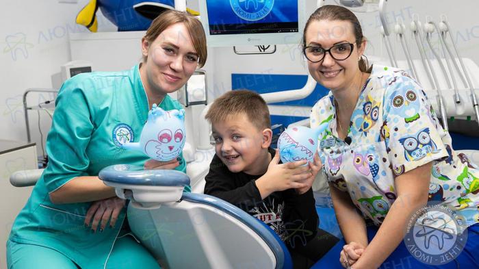 Рост зубов у детей фото Киев Люми-Дент