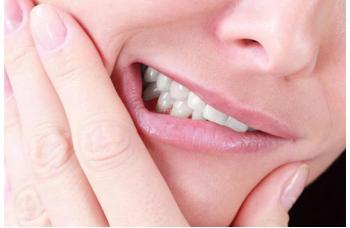 Бруксизм скрегіт зубами уві сні фото ЛюміДент