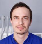 Стоматолог ортопед Киев - врач Яковишен Валентин Николаевич