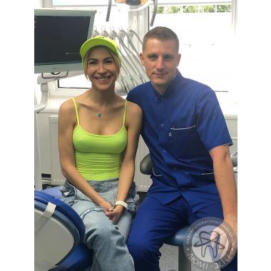 Фото работы доктора из пациентом Гайдаенко А. В. Люми-Дент Киев