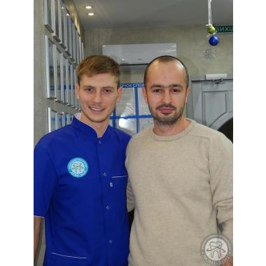 Фото с врачом Новицкий Вадим Валерьевич Киев Люми-Дент Улыбки