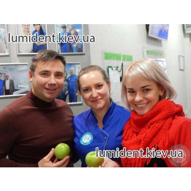Улыбки пациентов Люми-Дент Киев Шаповалова И. В.