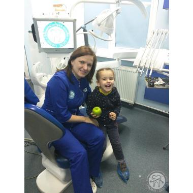 Лебедева Евгения Ивановна улыбки наших маленьких посетителей Люми-Дент Киев