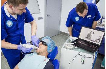 Консультация по имплантации зубов Киев фото Люми-Дент